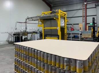Labelling warehouse for prelabelling cans